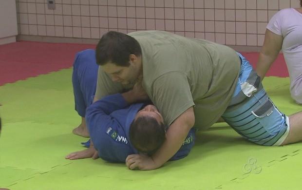 Aula de jiu-jitsu  (Foto: Reprodução TV Acre)