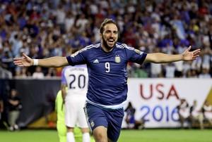 Higuaín Argentina (Foto: Reuters)