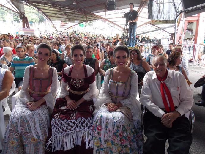 Galpão Crioulo Festa da Uva Adelar Bertussi e as Soberanas (Foto: Nice Sordi/RBS TV)