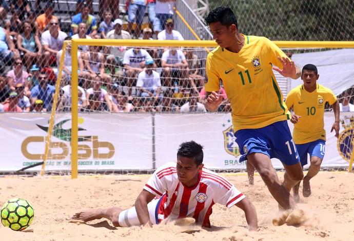 Mauricinho marcou o gol da vitória nos últimos segundos da prorrogação em Foz  (Foto: Nilton Rolin / Itaipu Binacional)