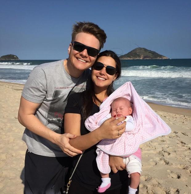 Michel Teló e Thais Fersoza com a filha (Foto: Reprodução/Instagram)