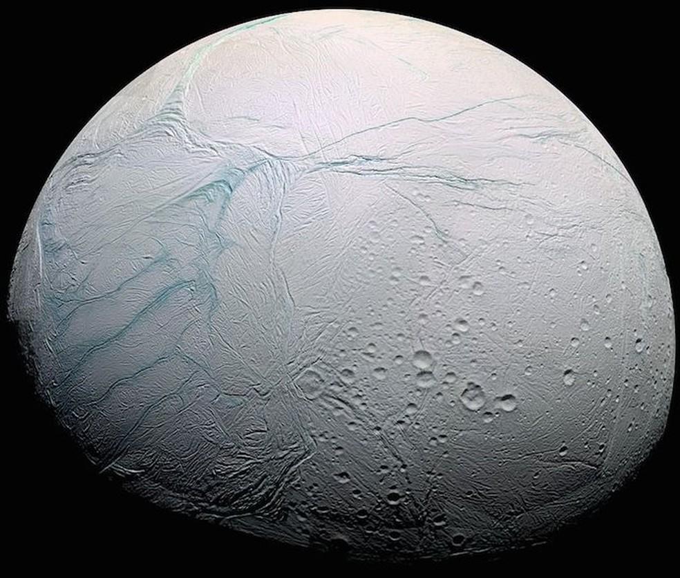 Encélado, lua de Saturno (Foto: Reprodução/Nasa)