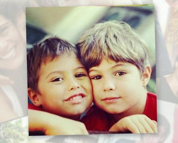 Rafa e o irmão: duas fofuras! (Foto: TV Globo)