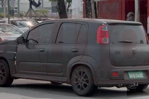 Flagra mostra versão Sporting do Novo Uno em testes (Foto: Autoesporte)