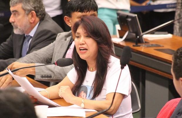 A deputada federal Keiko Ota, durante reunião da Comissão de Constituição e Justiça da Câmara (CCJ) sobre a PEC da maioridade penal (Foto: Divulgação)