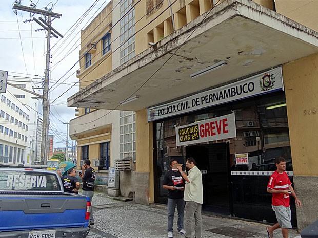 Policiais civis de Pernambuco entram em greve nesta segunda (Foto: Katherine Coutinho/G1)