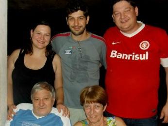 Segundo Josiane, a família a tem ajudado no convívio com a doença (Foto: Arquivo pessoal)