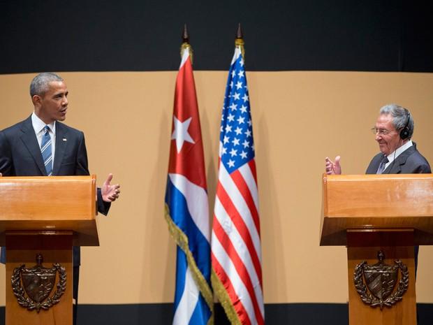 Barack Obama e Raul Castro em coletiva de imprensa após encontro histórico em Havana (Foto: Pablo Martinez Monsivais/AP)