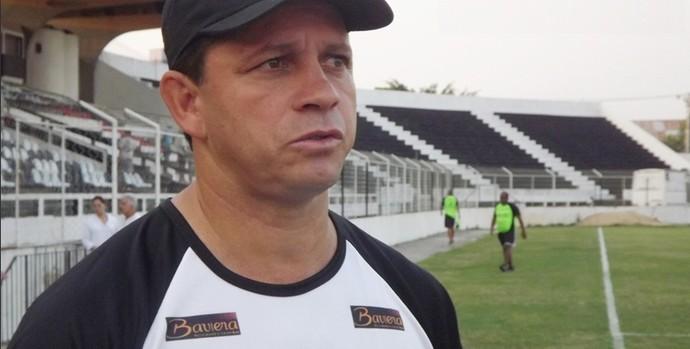 André Pimpolho não é mais técnico do Americano (Foto: Divulgação/Site do Americano)