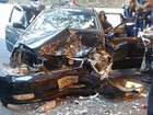 Acidente com três carros deixa feridos na Avenida Contorno, em Salvador