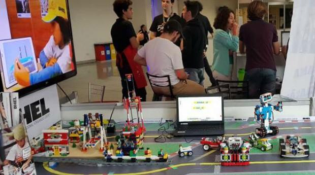 Arena Criativa expõe desafios robóticos e novas tecnologias na Finit, em Belo Horizonte (Foto: Wellton Máximo/Agência Brasil)