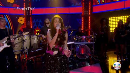 Valentina Francisco está na final do The Voice Kids pelo time de Carlinhos Brown