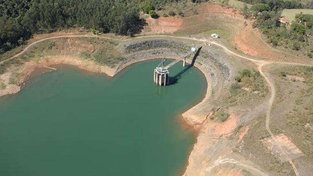 Represas do Sistema Cantareira registram menor nível de abastecimento de água dos últimos dez anos (Foto: Reprodução / Facebook / Sabesp)