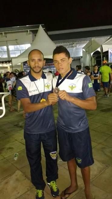 Paulo Victor, treinador junto com Isânio Conceição (Foto: Cleide Magalhães)