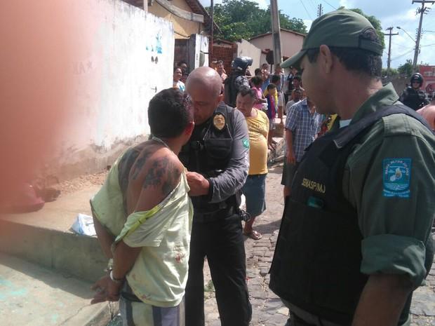 Suspeito preso durante operação (Foto: Divulgação/SSPPI)