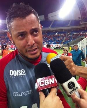 Fernando Henrique - goleiro do América-RN (Foto: Augusto Gomes/GloboEsporte.com)