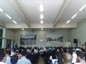 Reunião foi promovida pela Assembleia de Minas (Foto: Michelly Oda / G1)