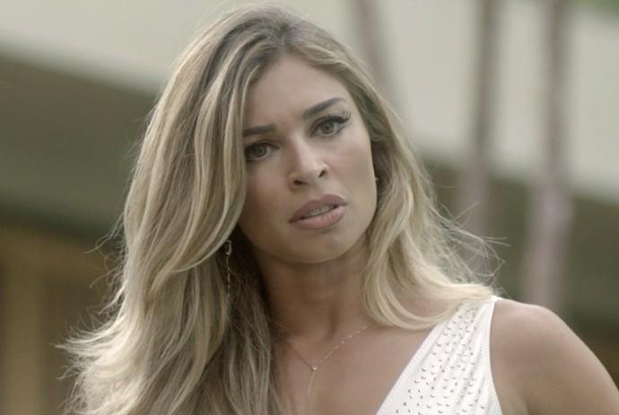 Luciane atrapalha comício de Salete (Foto: TV Globo)