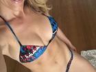 Ana Hickmann exibe barriga chapada de biquíni em selfie