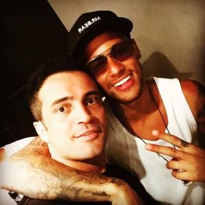 Falcão ao lado de Neymar (Foto: Arquivo Pessoal/ Falcão)