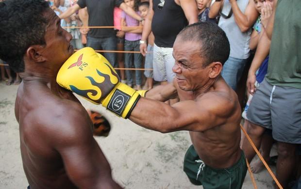 MMA de anões diverte público em Sena Madureira (Foto: João Paulo Maia/GE AC)