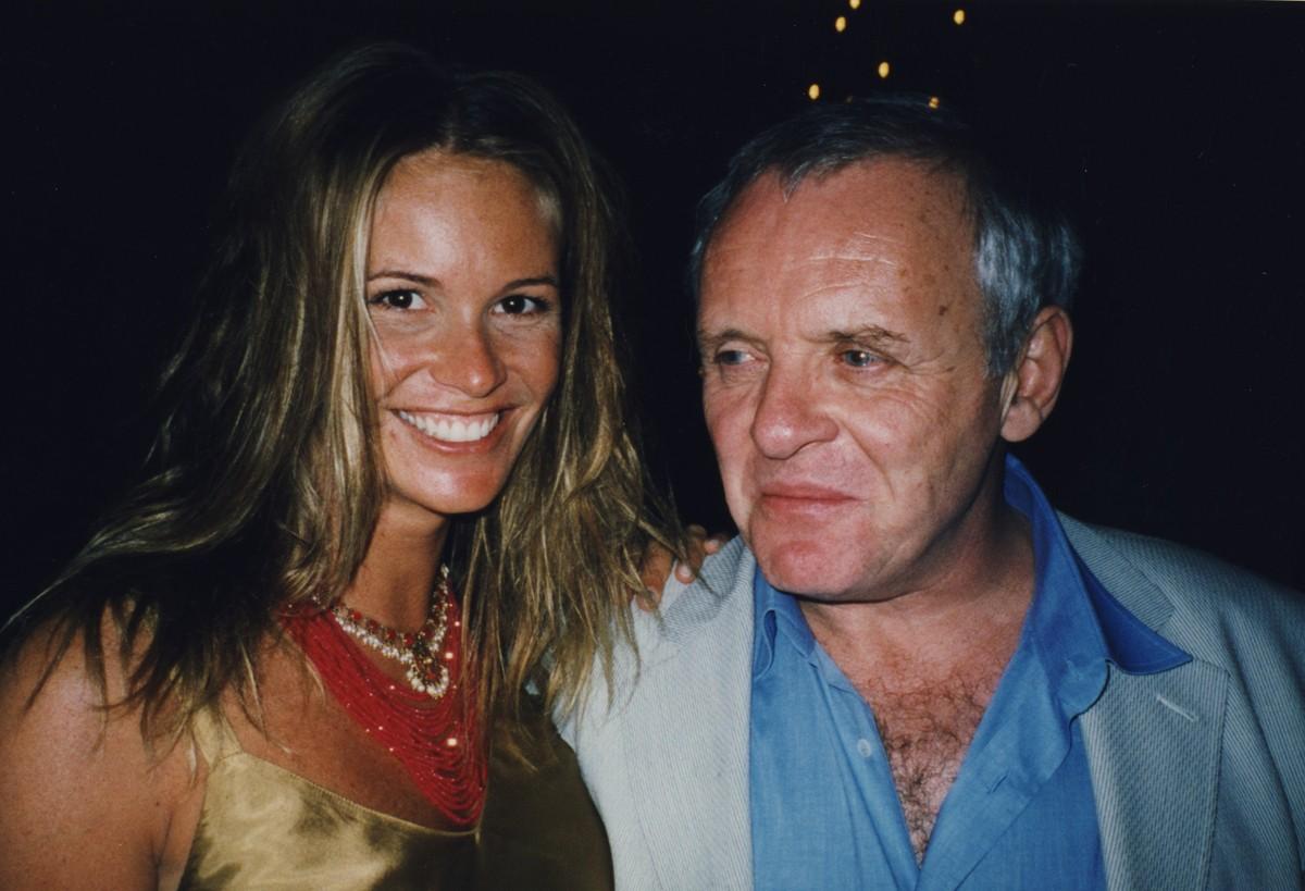 Elle MacPherson e Anthony Hopkins. (Foto: Divulgação)