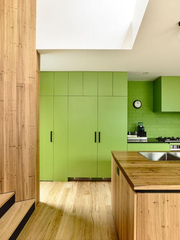 Décor do dia: cozinha ampla em tons de verde (Foto: Derek Swalwell/Divulgação)