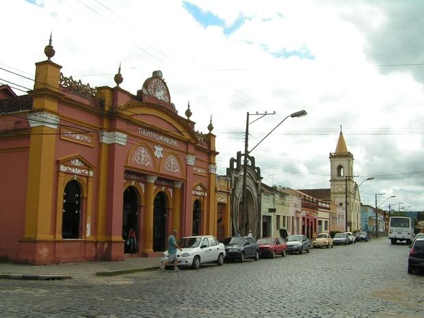 O Theatro Municipal foi construído na metade do século XIX e continua a receber apresentações culturais (Foto: Pedro Mathias / Arquivo Pessoal)