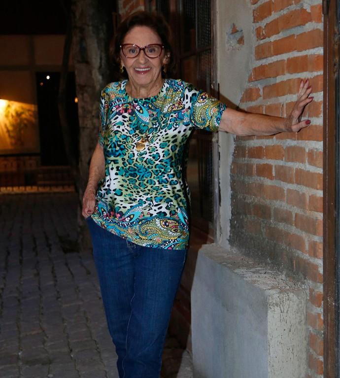 Laura Cardoso também foi ao Rota 94, na cidade cenográfica de 'Sol Nascente'  (Foto: Raphael Dias / Gshow)