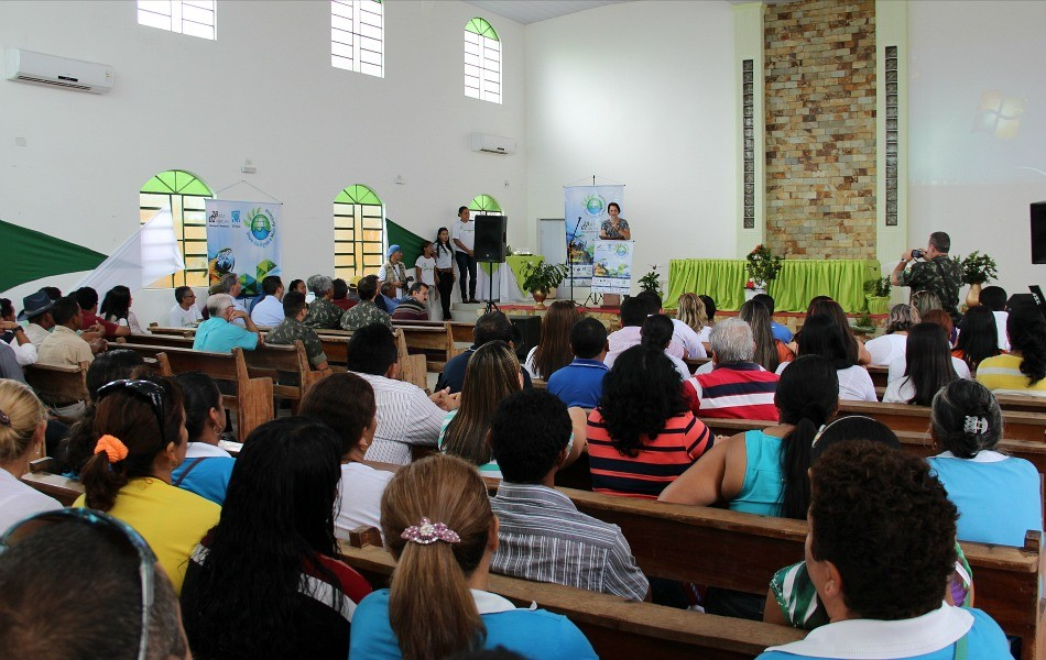 Cerimônia de abertura reuniu autoridades do município e representantes de instituições parceiras (Foto: Katiúscia Monteiro/ Rede Amazônica)