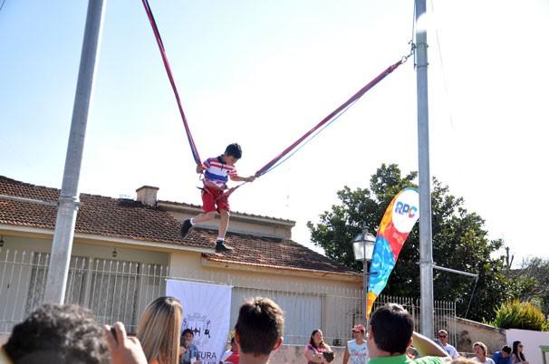Hig Jump Rpc na Praça na Lapa (Foto: Roger Santmor/ RPC)