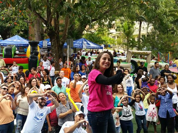 A atriz Luana Martau participou da Ação Global em Vassouras (Foto: Globo)