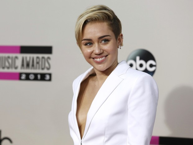 Miley Cyrus no American Music Awards em Los Angeles, nos Estados Unidos (Foto: Mario Anzuoni/ Reuters)