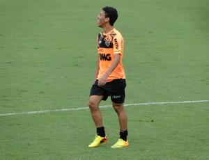 Marcos Rocha treino Atlético-MG (Foto: Léo Simonini)