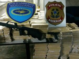 Mais de três toneladas de maconha foram apreendidas durante as investigações da Polícia Federal (Foto: Divulgação/Polícia Federal)