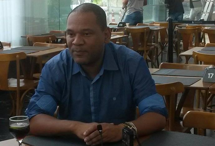 Cloves Santos dirigente Tupi-MG (Foto: Mariane Sequeto)