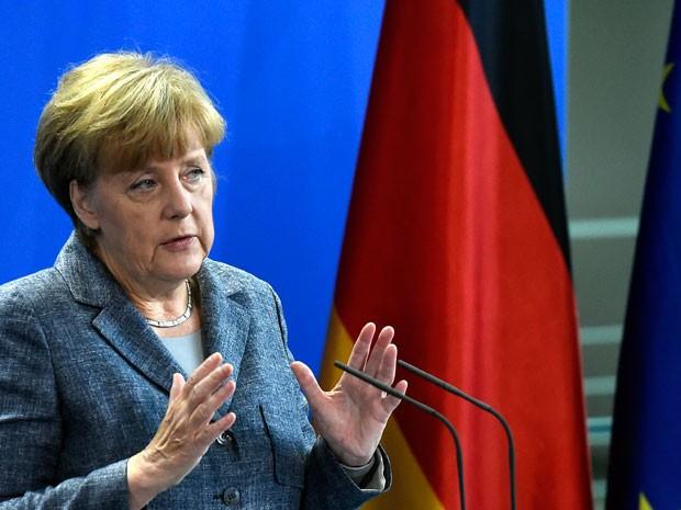 Chanceler Angela Merkel fala em coletiva de imprensa sobre refugiados em Berlim (Foto: AFP)