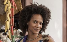 Jessica Barbosa revela cuidados simples com cabelos crespos