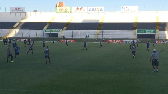 ABC - treino Frasqueirão (Foto: Carlos Arthur da Cruz/GloboEsporte.com)