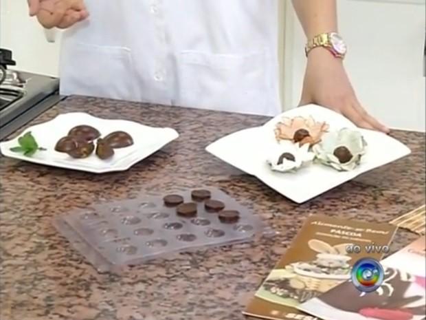 Além dos ovos de Páscoa, bombons recheados fazem parte das aulas práticas (Foto: Reprodução / TV TEM)