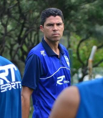 Cleber Arildo técnico São José dos Campos (Foto: Tião Martins/TM Fotos)