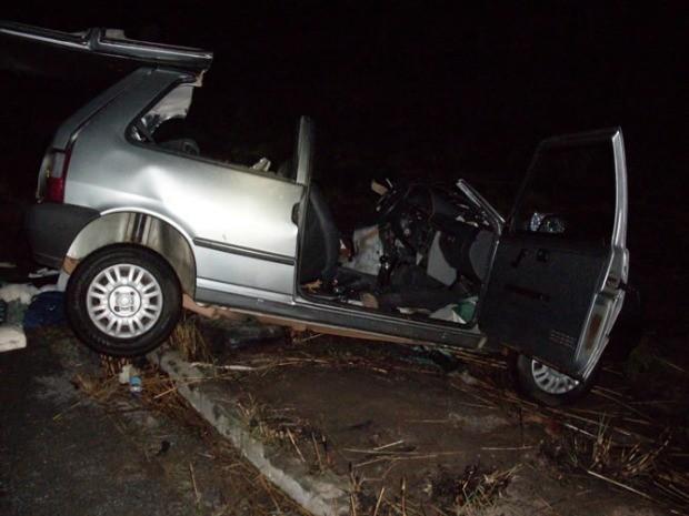 Segundo a PRF, seis pessoas estavam no interior do veículo (Foto: Divulgação PRF)