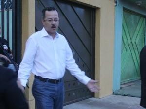 Ex-prefeito Roberto Sobrinho preso durante operação (Foto: Vanessa Vasconcelos/G1)
