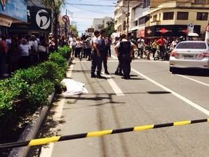 Idosa morre atropelada no Centro de Vila Velha (Foto: Leticia Cardoso/ Gazeta Online)