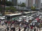 No Recife, professores protestam contra mudanças no ensino médio