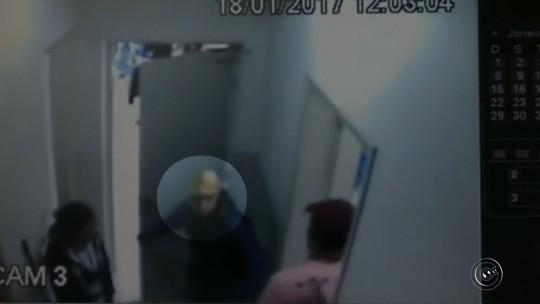 Câmera registra assalto a loja de departamentos de Pederneiras