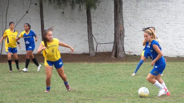 Atletas da categoria sub-17 do futebol feminino do São José Esporte Clube (Foto: Danilo Sardinha/Globoesporte.com)