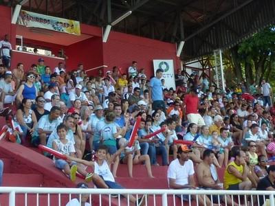 Cerca de 2 mil torcedores acompanharam a última partida do Amadorzão de Foz  (Foto: Liz Faleiro / RPC)