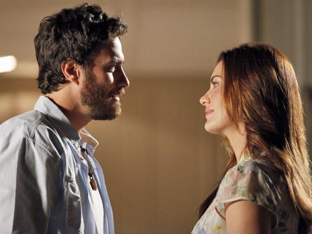 Rodrigo garante que ele e Miriam não são namorados (Foto: Amor Eterno Amor/TV Globo)