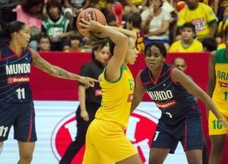 Adrianinha, Basquete Brasil x Mundo (Foto: Igor do Vale / Agência Estado)